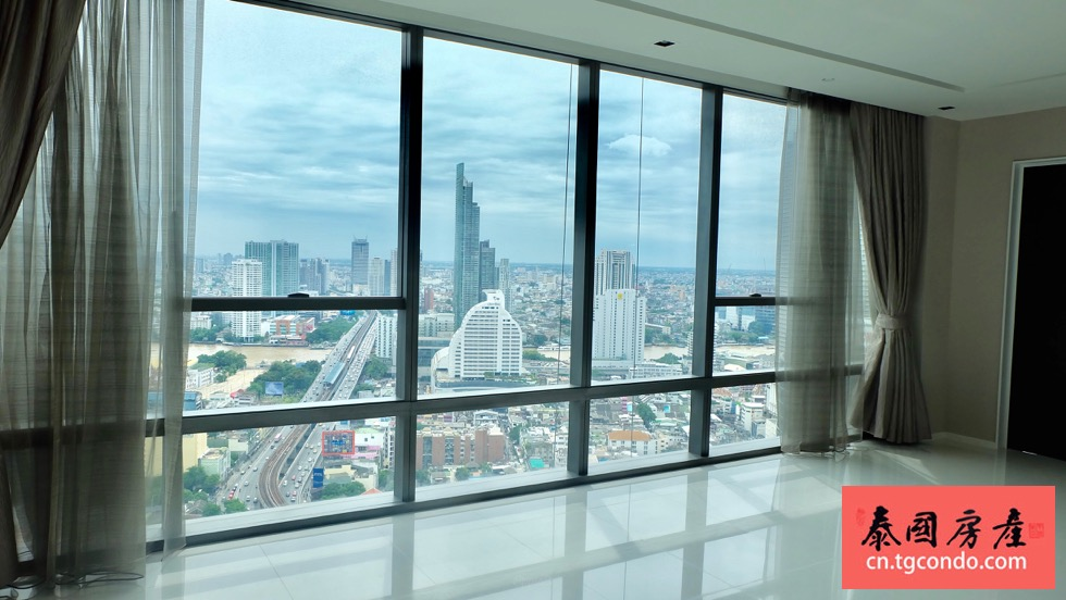 The Bangkok Sathorn 17