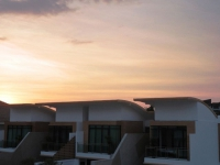 芭提雅中天海滩Tropicana Villa豪华3卧别墅