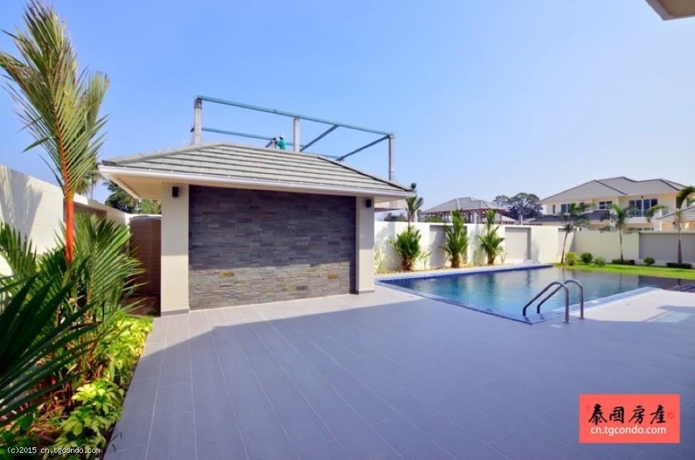 泰国芭提雅绿色田园私人泳池别墅