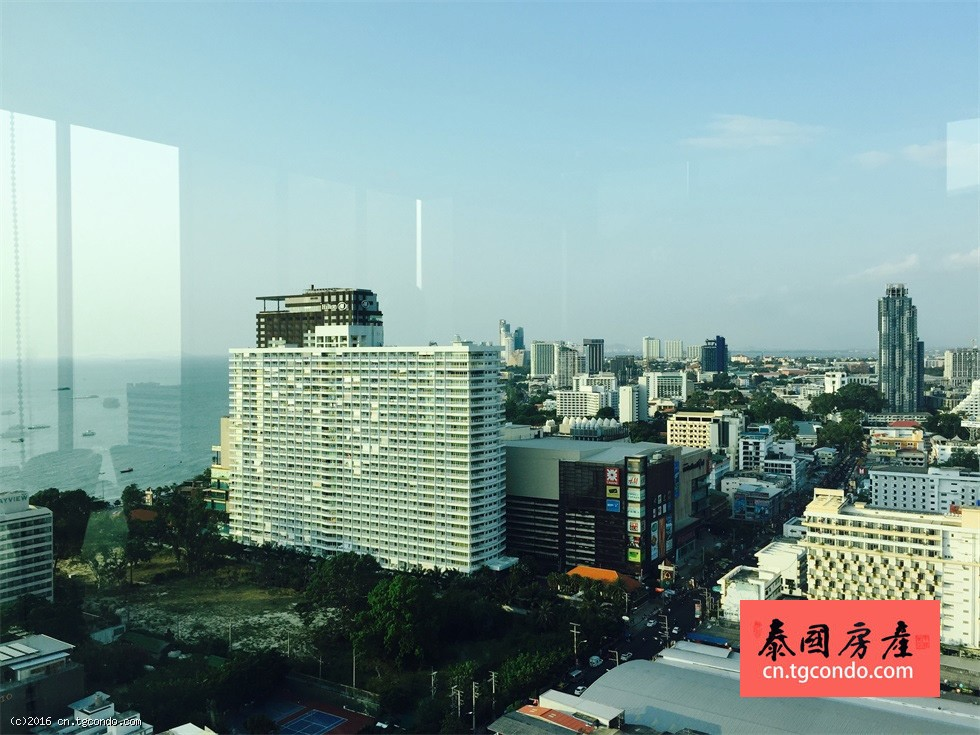 泰国芭堤雅城市中心房地产:Base Condo Pattaya