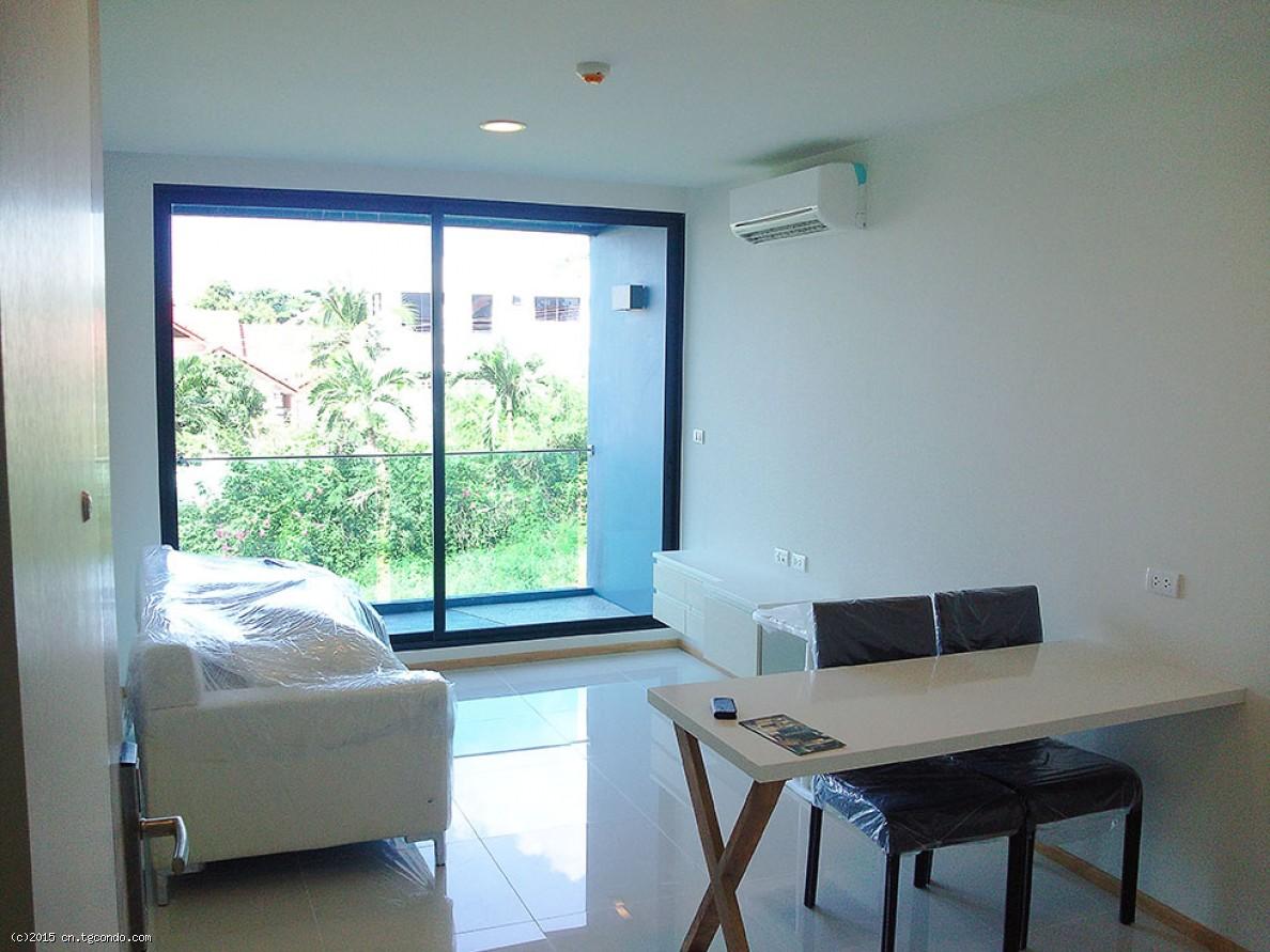 泰国芭堤雅房地产:1房水象公寓低价转售Acqua Condo