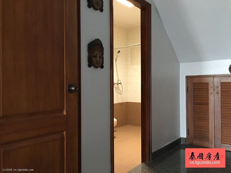 芭提雅海滨别墅出租,5房4卫双层住宅