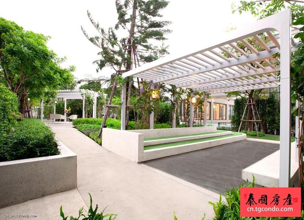 泰国曼谷邦纳区四房三卫豪华别墅